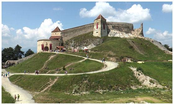 Cetatea-Rasnov-turism